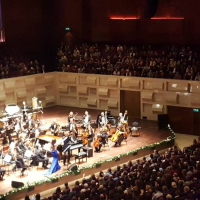 Margaret performing to a sold out audience at the DE doelen Rotterdam with the Amsterdam Festival Orchestra and Jan Mulder